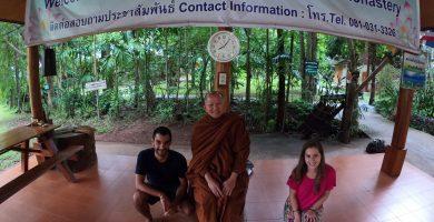 Historia con monjes